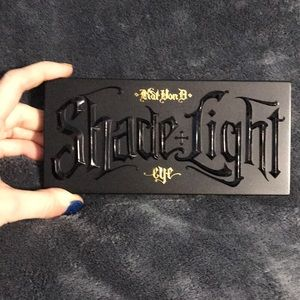 Shade & Light Eye Contour Palette